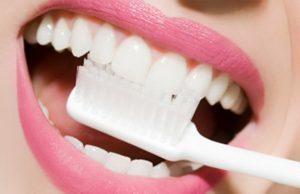 Ухаживаем за зубными имплантами