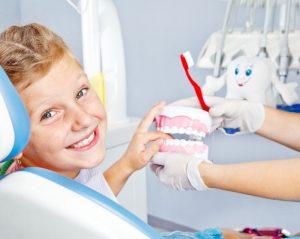 С какими трудностями сталкиваться детский стоматолог?