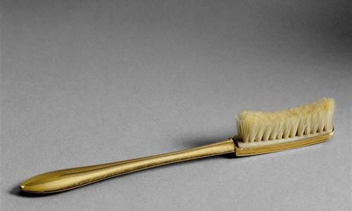 Самая дорогая зубная щетка
