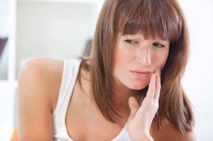 Как унять зубную боль при беременности?